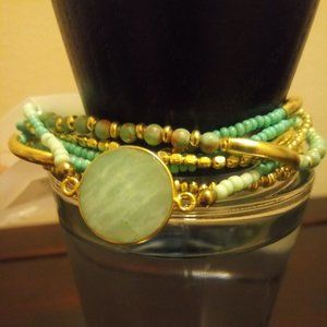 Stretchy Turquoise/Gold Beaded Bracelet